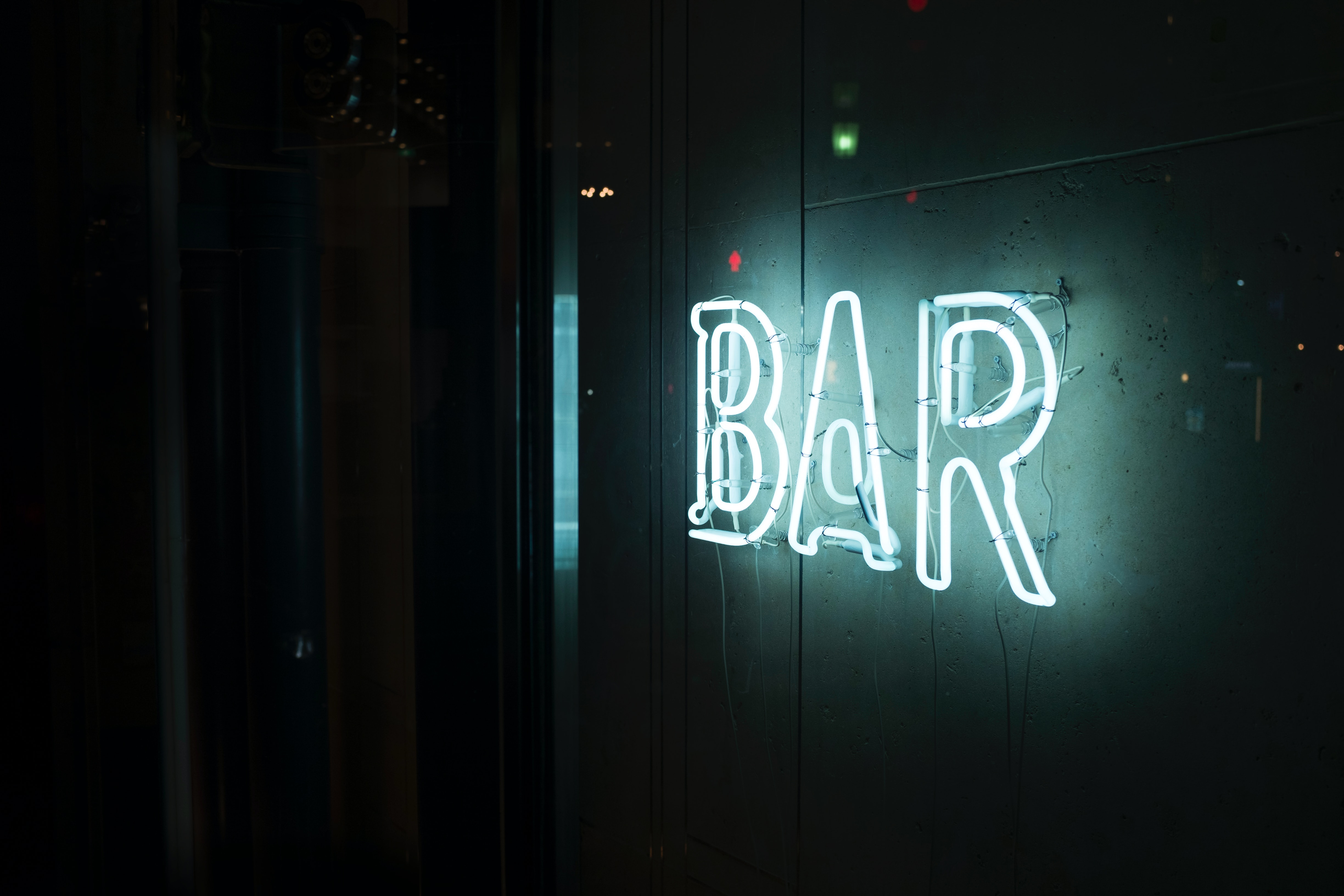 Michigan Agency orders hearing for bar tied to outbreak
