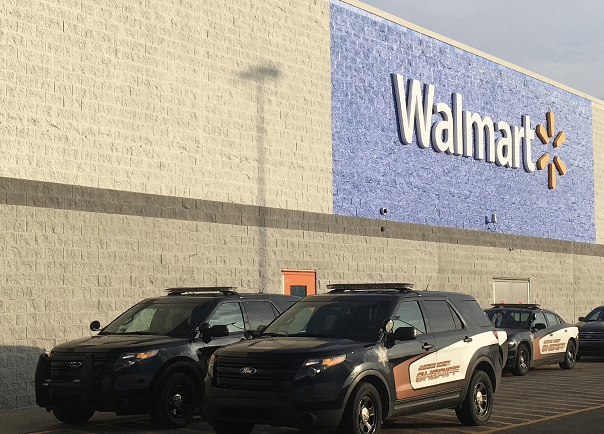 Walmart and Sam's Club to require masks nationwide starting July 20 as COVID-19 cases rise