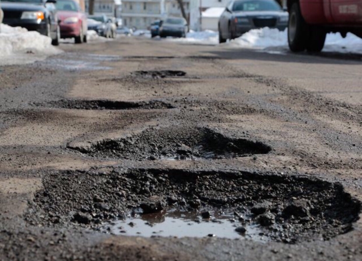 Fixing Michigan's crumbling roads: What about the heavy trucks?